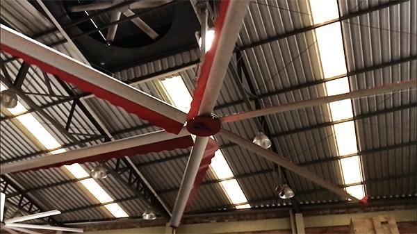 Ventilador de teto industrial